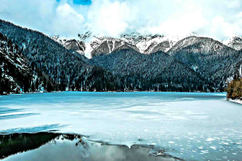 Озеро рица зимой абхазия фото передать